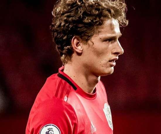 Recuperado do câncer, defensor pode fazer estreia profissional pelo United. Goal