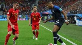Bélgica e França dividem a liderança. Goal