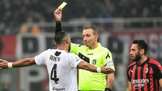 Polemiche sull'arbitraggio di Mazzoleni. Goal