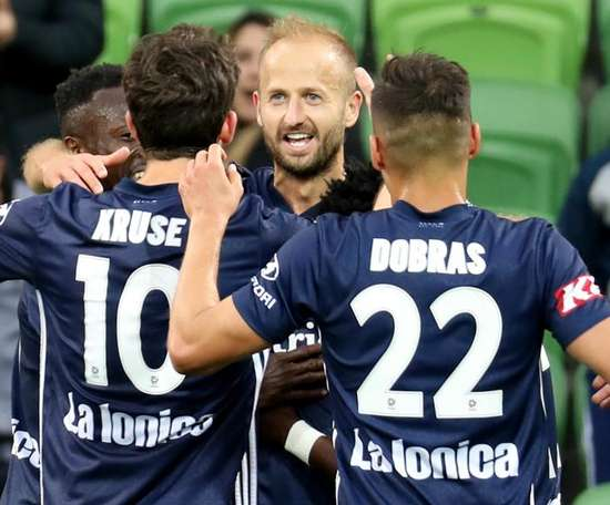 Melbourne Victory were far too strong Newcastle in their A-League clash. GOAL