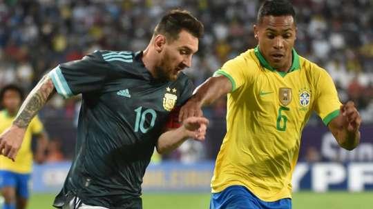 Alex Sandro infortunato in Nazionale. Goal