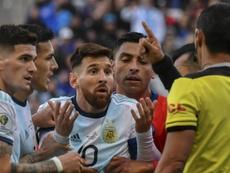 Ex-Corinthians chama Messi de cara de pau. Goal