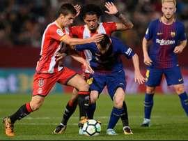 Contra o Barça, Douglas Luiz evoluiu. Goal