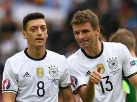 Muller culpa imprensa pela polêmica sobre Ozil e garante: não existe racismo na seleção alemã. Goal
