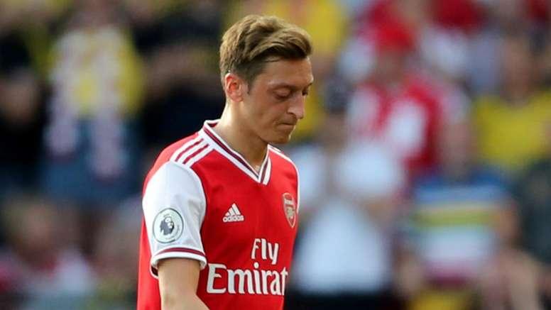 Emery rests Ozil for Eintracht Frankfurt despite lack of Premier League action. GOAL
