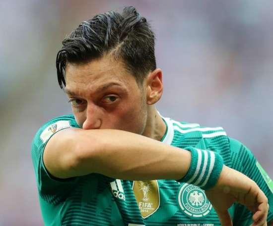 Polêmico presidente da Turquia defende Özil. Goal