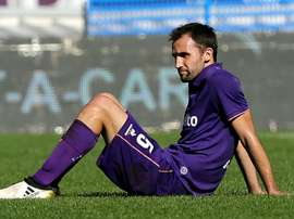 Milan Badelj has good options. Goal