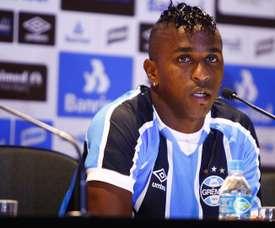 Miller Bolaños Grêmio apresentação 11022016