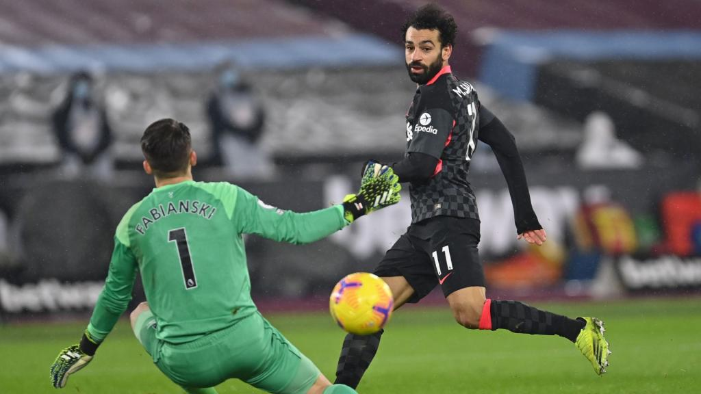 Jürgen Klopp adoube Mohamed Salah — Liverpool