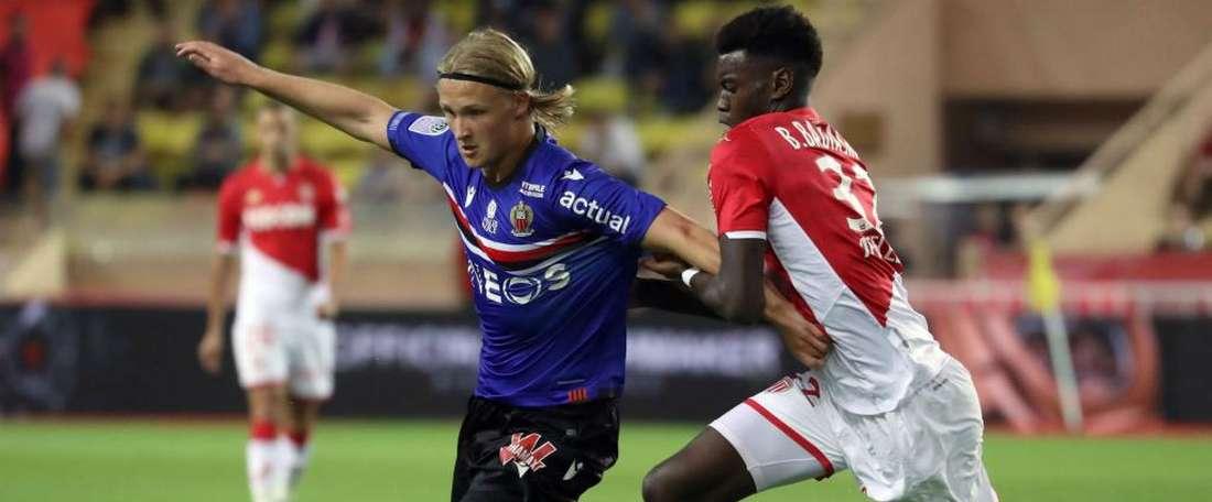 Monaco s'adjuge le derby et signe sa première victoire. AFP