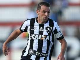 No Botafogo, Montillo precisa chegar mais perto da área para desencantar. Goal
