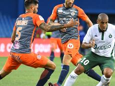 Seulement 200 spectateurs dans les tribunes pour Saint-Etienne - Montpellier. AFP
