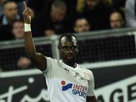 Moussa Konaté vient en aide au Sénégal. GOAL