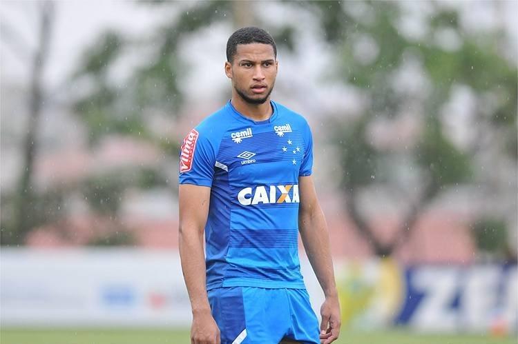 Cruzeiro acerta transferência de Murilo para o futebol russo