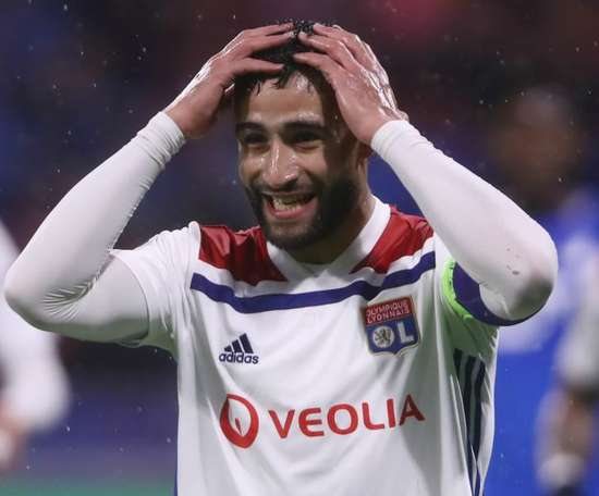 Nabil Fekir 'negotiating' Lyon exit amid growing Real Betis rumours. GOAL