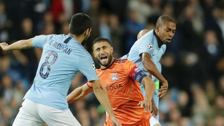 Fernandinho Takes Blame For Man City S Lyon Loss Besoccer