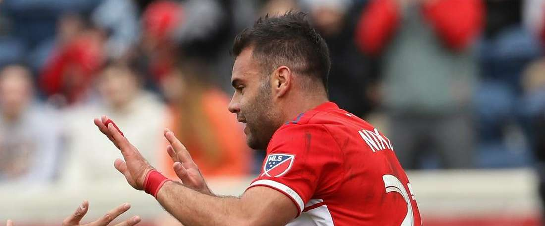 Chicago Fire 1 Vancouver Whitecaps 1: Late Nikolic penalty salvages draw for hosts