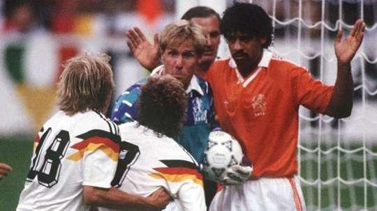 Confrontos históricos entre a Holanda e Alemanha. Goal