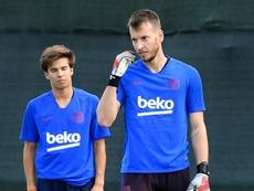 Barcellona, Neto operato: previsto uno stop di due mesi
