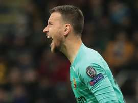 Barca's Neto suffers ankle sprain