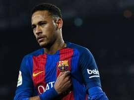 Neymar, das críticas aos elogios em horas. Goal