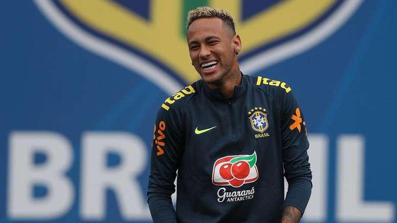 Neymar e Bolaños sofreram lesões antes do Mundial. Goal