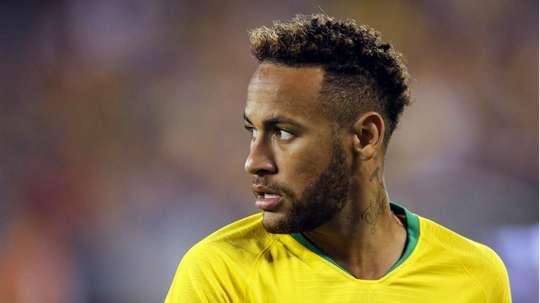 Neymar foi o garçom contra a Arábia Saudita. Goal