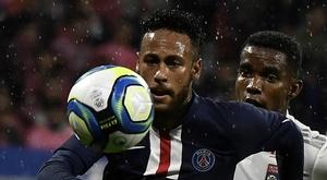 Neymar praises improving PSG. GOAL