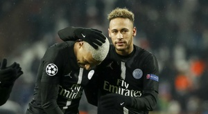 Neymar and Mbappe '2,000 per cent' staying at PSG