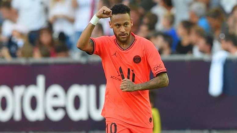 Neymar discusses PSG fans