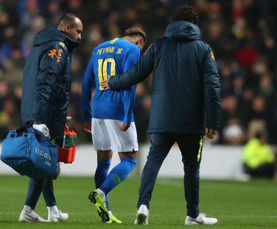 Neymar is confident the injury is 'nothing serious'. GOAL