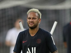 Neymar back for PSG after a month out. GOAL