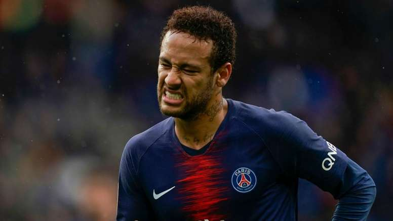 Neymar can leave PSG if the price is right, says Leonardo