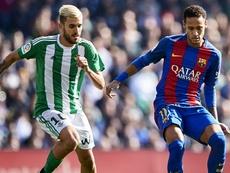 Neymar et Dani Ceballos dans le match de Liga entre Betis Séville et Barcelone. AFP