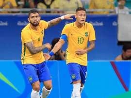 Reinaldo exalta qualidades de Gabigol e Neymar. GOAL