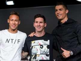 Brazil legend hails compatriot to same degree as legendary duo. GOAL