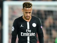 Contra o Liverpool, Neymar repetiu a receita da Copa: tentou, mas seguiu a decepcionar