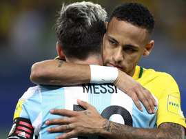 Neymar e Messi. Goal