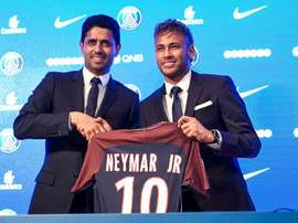 A mudança de Neymar para Paris chocou o mundo do futebol no verão de 2017. Goal