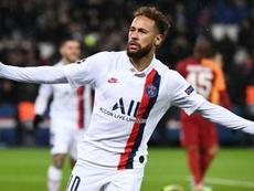 Neymar fait un sans foute. GOAL