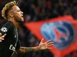 Cinco anos mais novo, Neymar precisou de 39 jogos a menos para igualar Kaká como maior artilheiro br