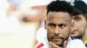 Neymar fez de tudo para sair do PSG, isso não o deixou muito popular, diz Tuchel