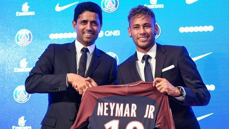 PSG está disposto a vender Neymar e aguarda ofertas, diz jornal.