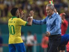 Tite ignora problemas de Neymar com o PSG. Goal