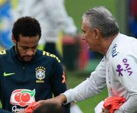 Tite esboça Seleção com Coutinho e Richarlison; Neymar treina normalmente.
