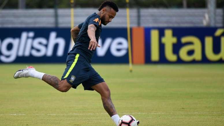 Neymar diz que só não esteve entre os melhores porque se lesionou. Goal