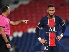 Adil Rami tacle Neymar. goal