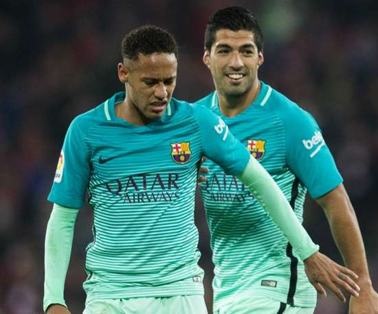 Suarez says Pique's comments about Neymar's arrival should be taken with a pinch of salt. GOAL
