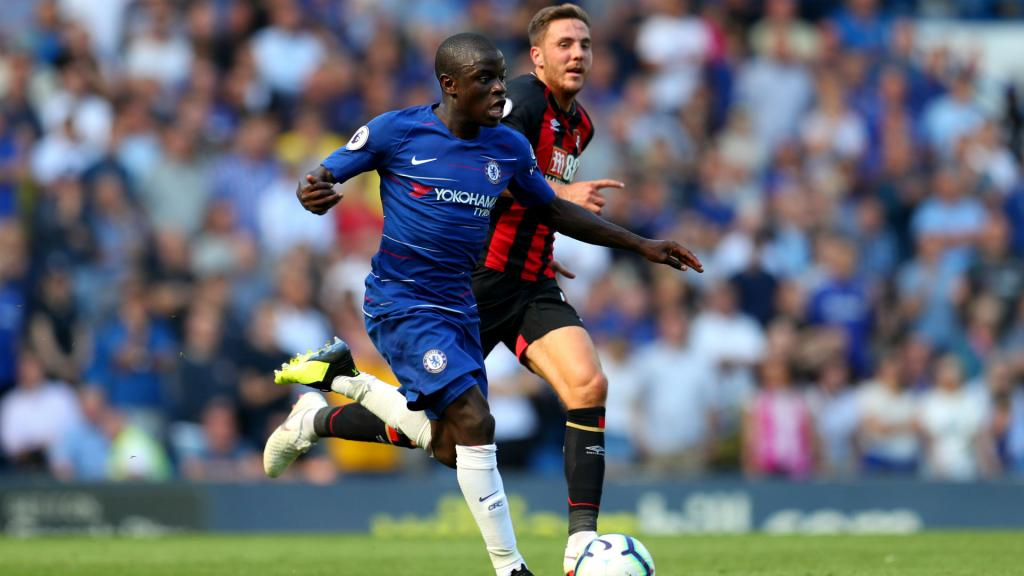 N'Golo Kante spends evening with fans after missing train to Paris