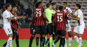 Clamoroso durante Nizza-PSG: 2 espulsi della stessa squadra in 2 minuti
